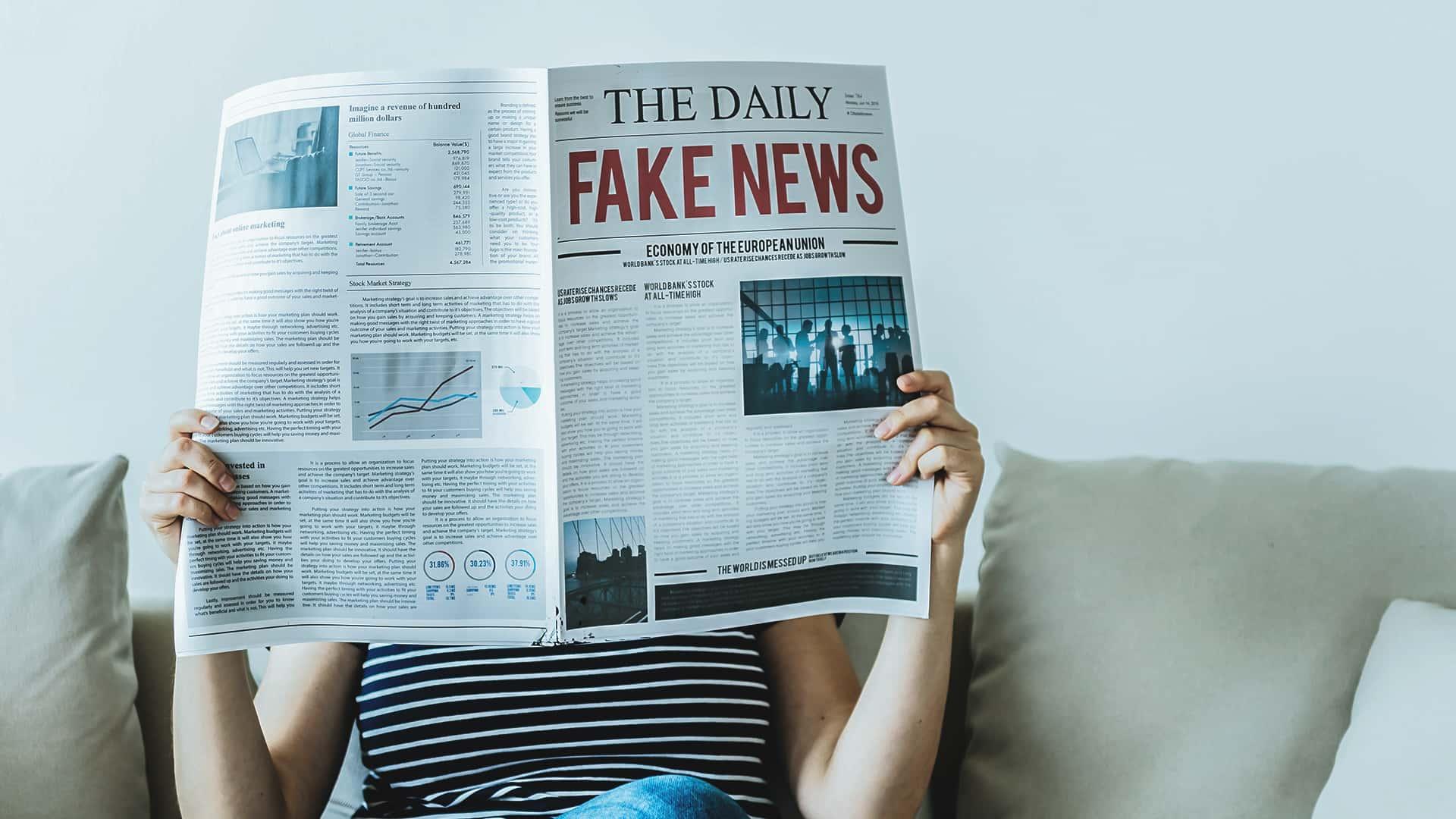 Fanboy e fake news copertina