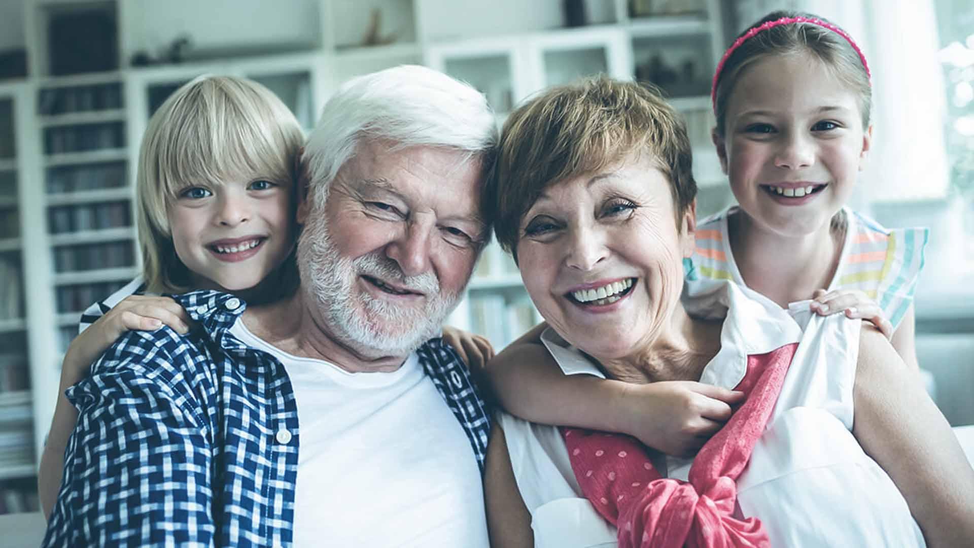 In Italia ci sono sempre più genitori-nonni