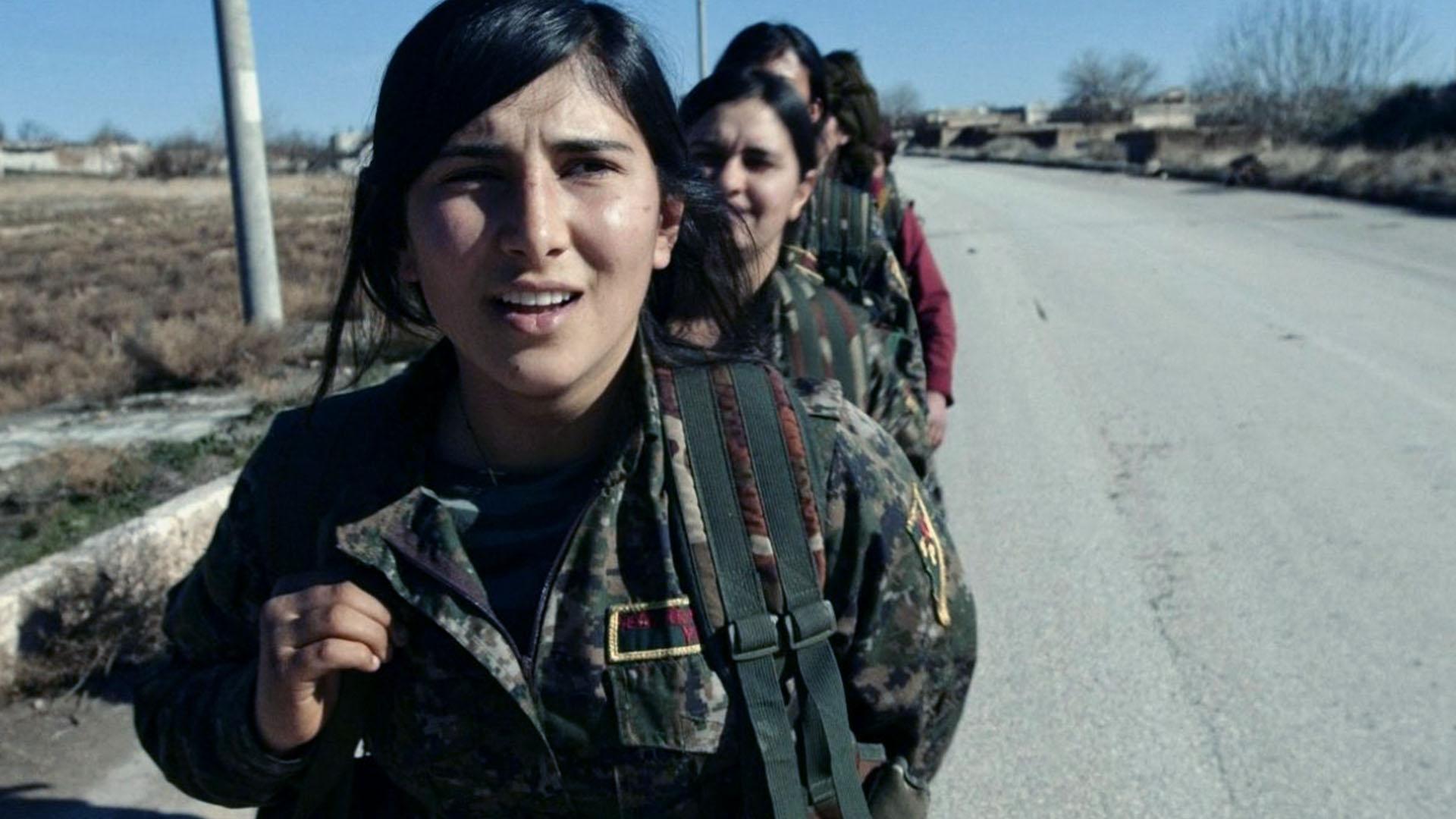 Le combattenti curde di Afrin e Kobane hanno resistito per anni all