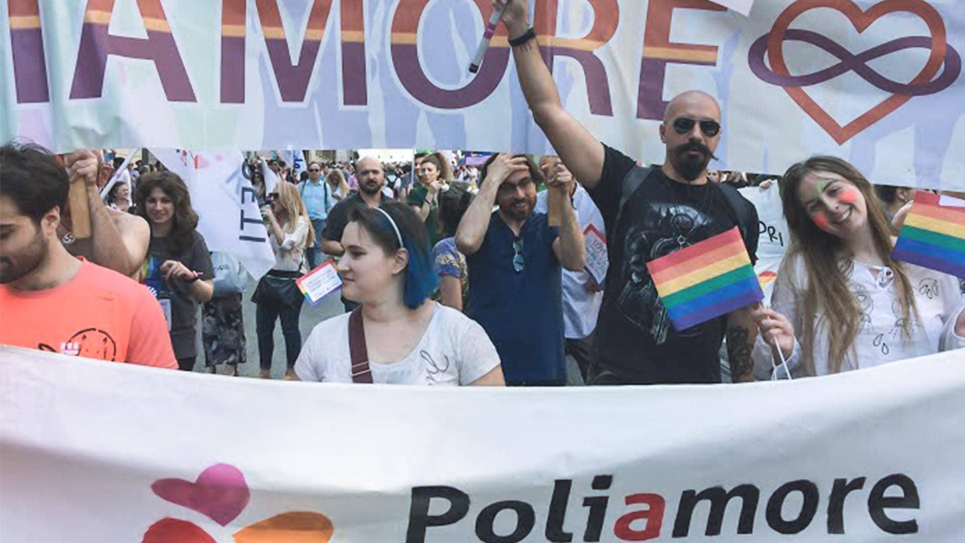 Il corteo del poliamore al Roma Pride
