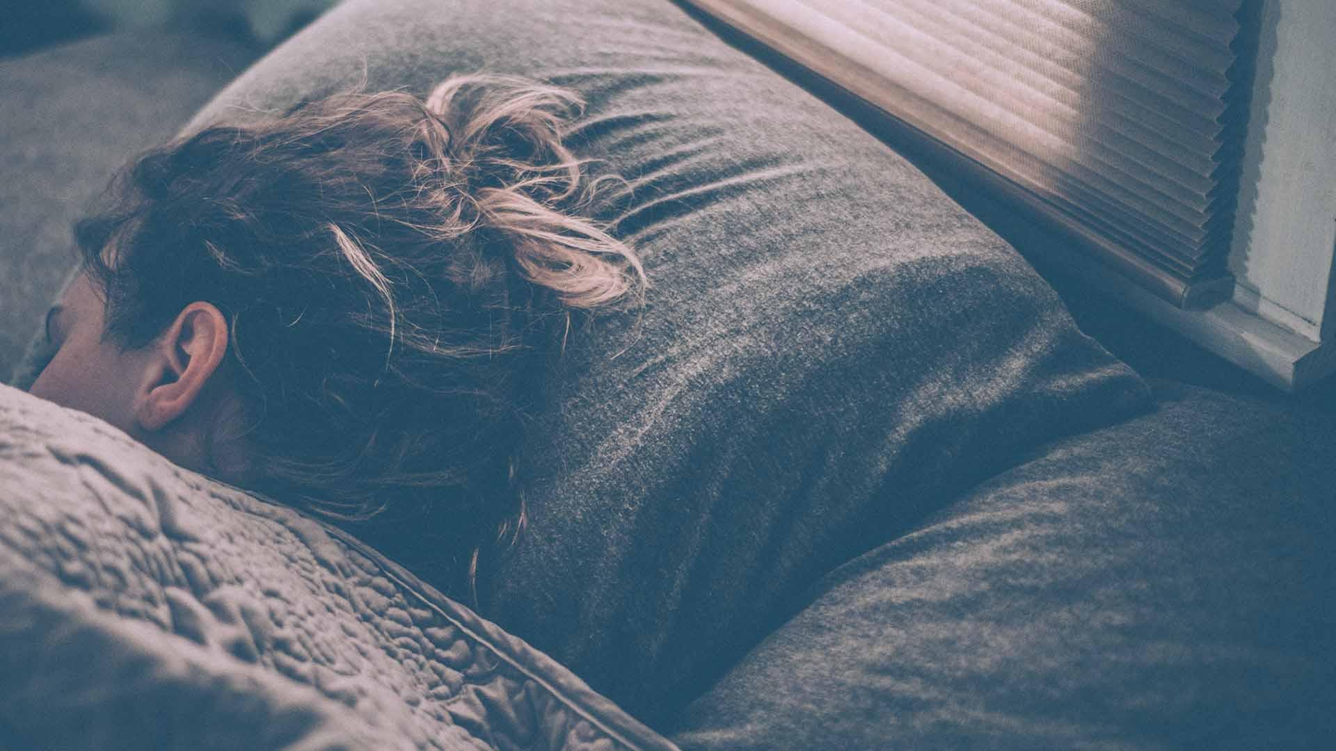 Il sonno di un narcolettico è tormentato e invalidante