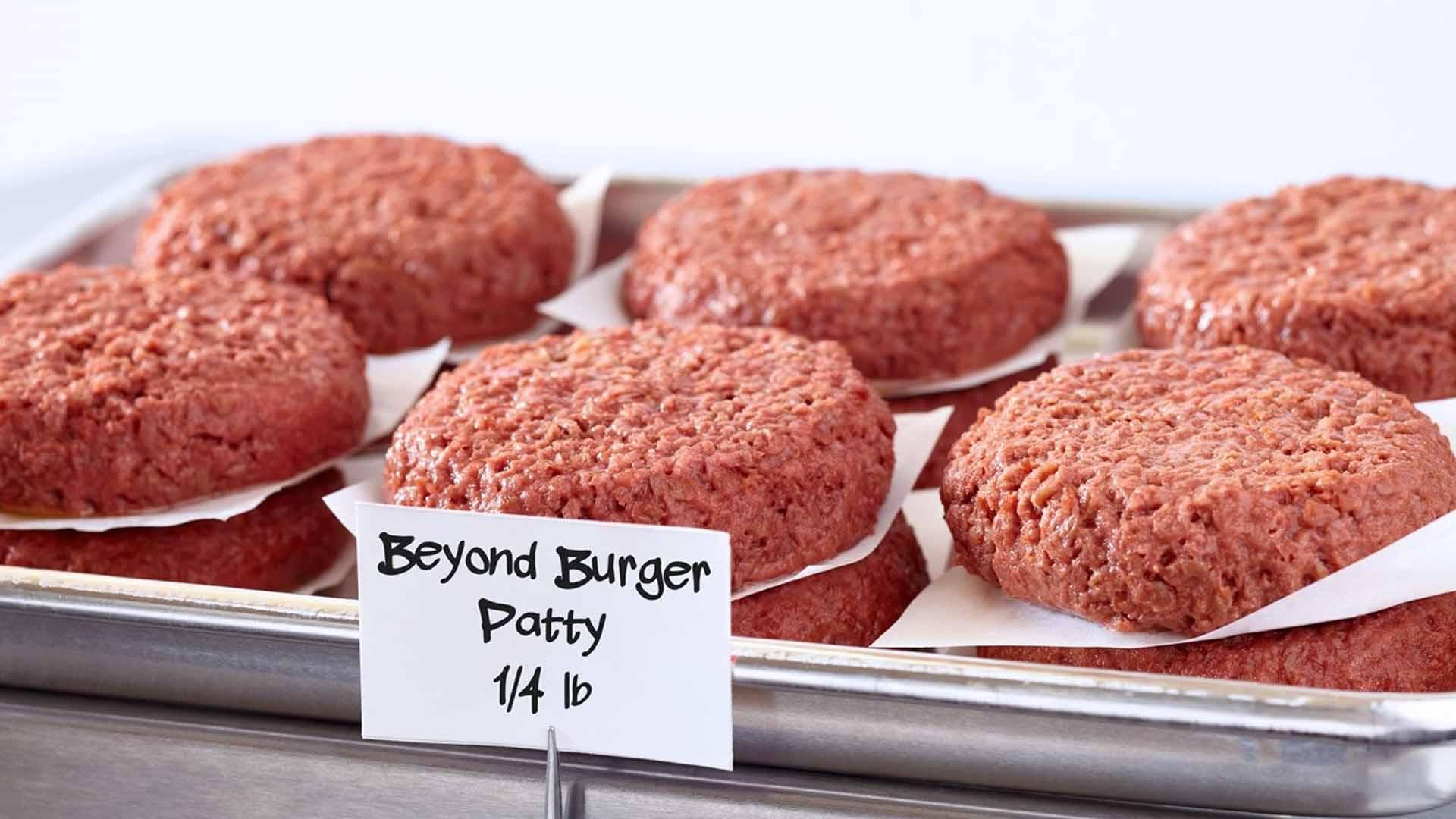 La carne vegetale è fatta per sembrare carne di animale