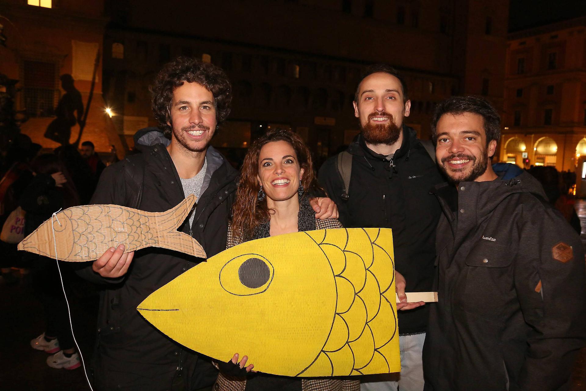 I quattro ragazzi di Bologna fondatori delle sardine