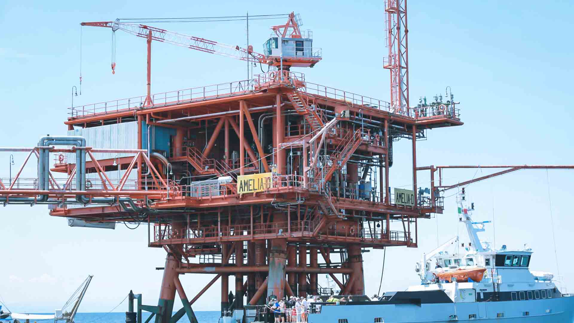 La lobby petrocarbonifera guadagna 30-40 dollari su ognuno degli 85 milioni di barili estratti al giorno