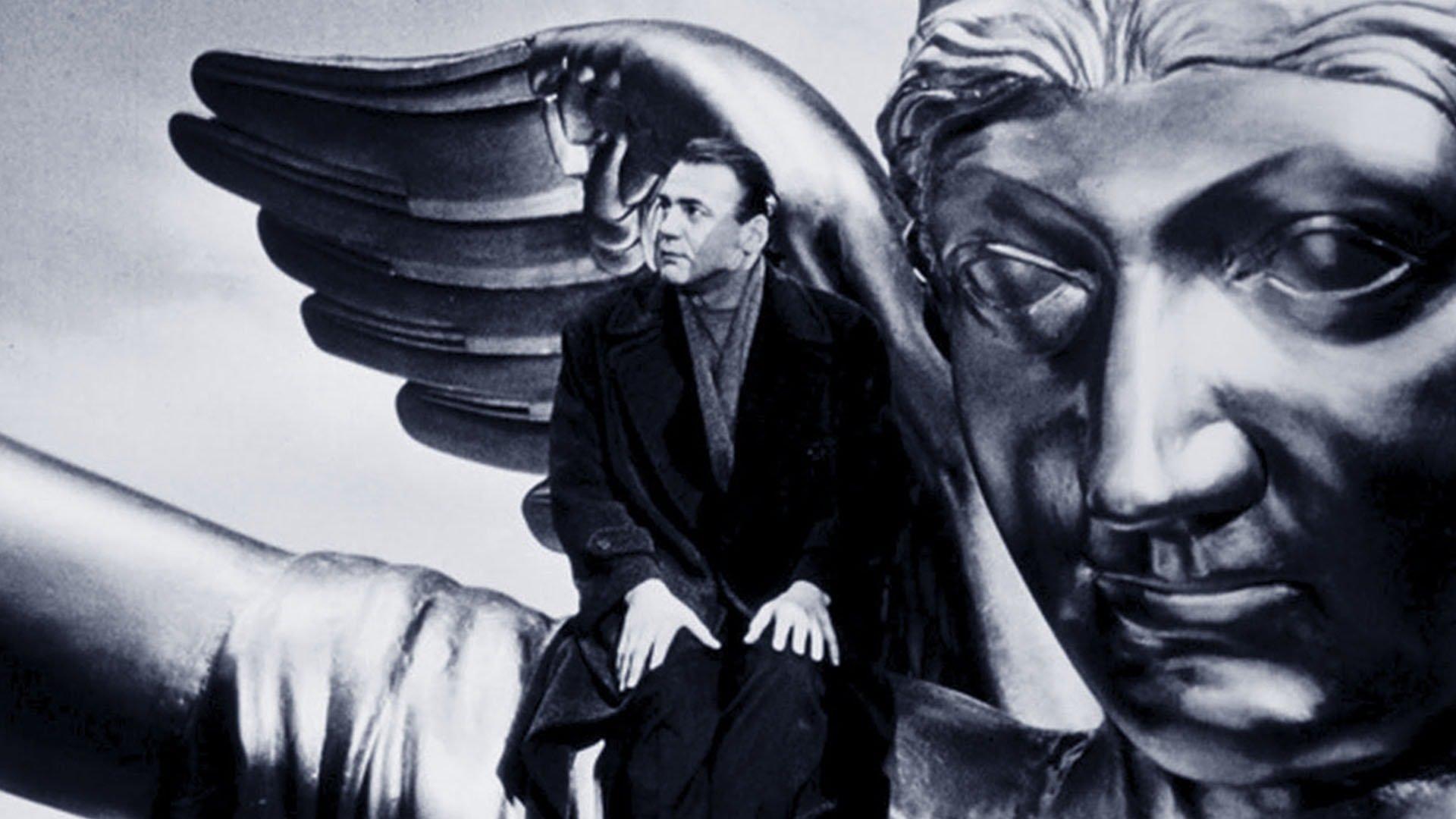 Bruno Ganz è Damiel ne Il cielo sopra Berlino