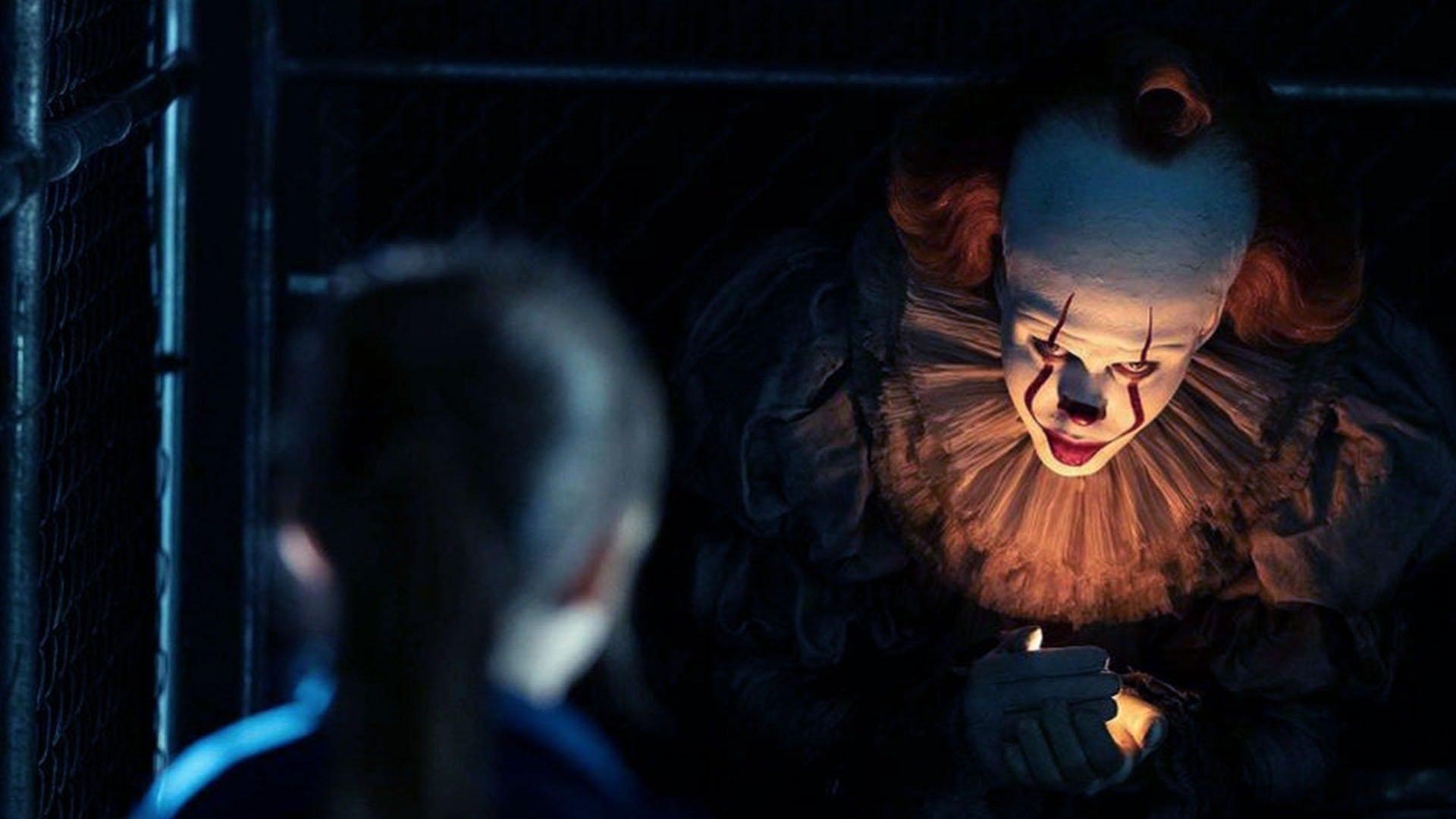 Il nuovo Pennywise incarna perfettamente il mostro esteticamente perfetto del cinema in CGI