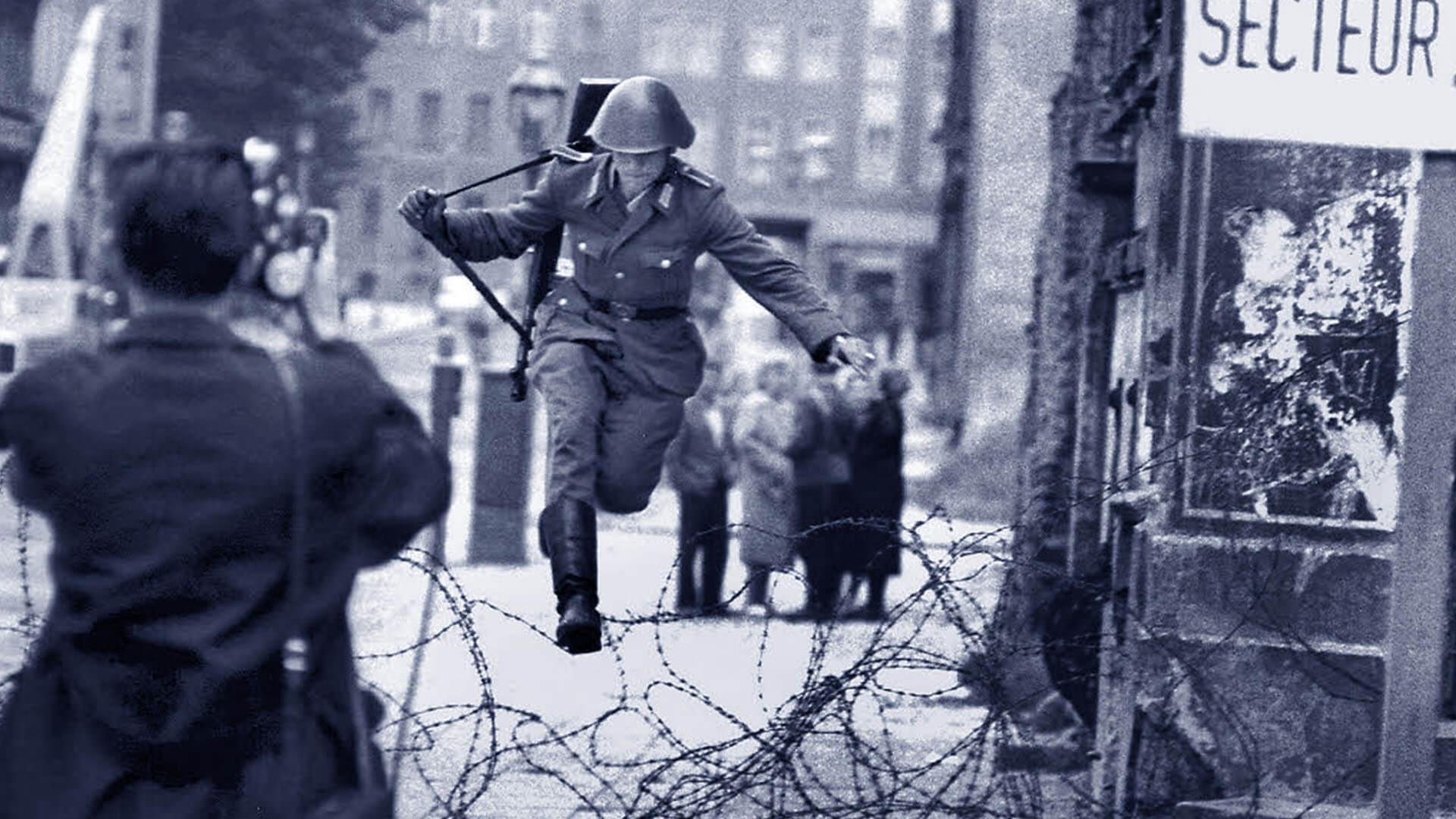 Il Charlie Checkpoint era uno dei collegamenti tra Berlino Est e Berlino Ovest