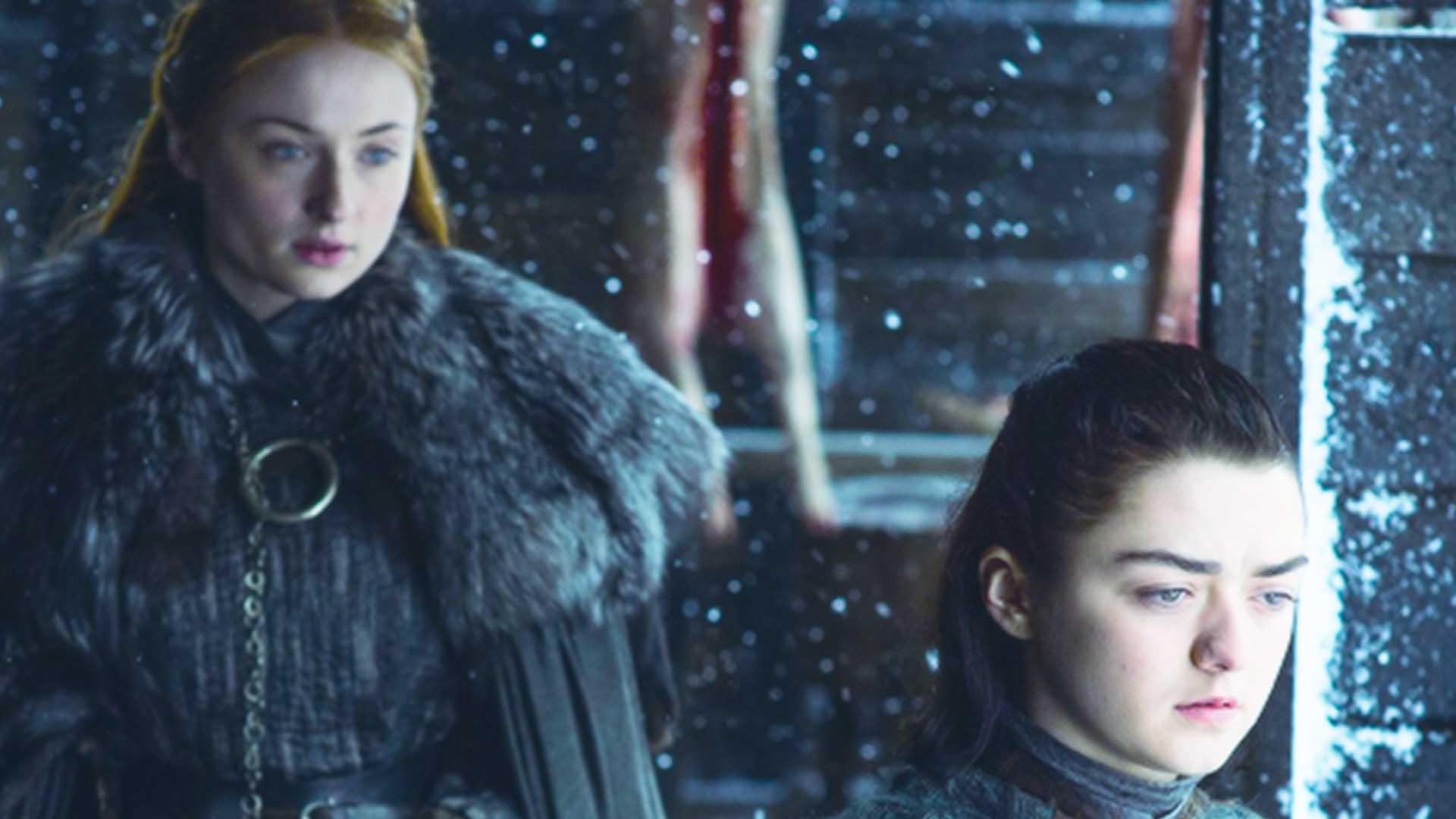 Seppure su fronti opposti, sia Sansa che Arya Stark sono protagoniste femminili indipendenti e complesse