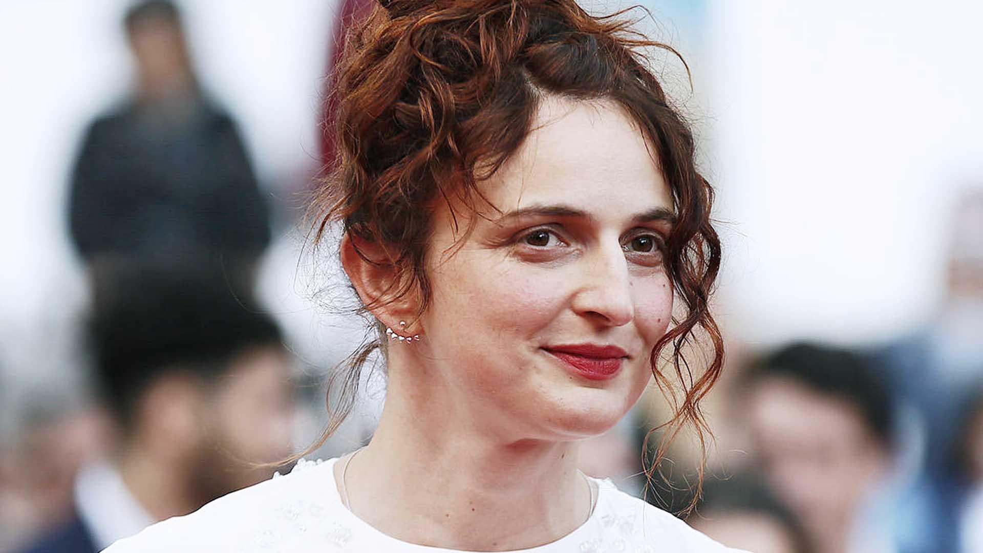 Alice Rohrwacher è la regista di due episodi de L