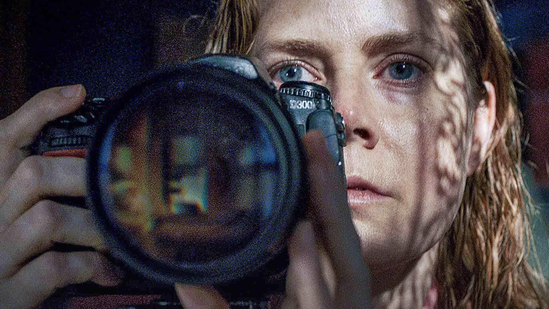 """""""La donna alla finestra"""". Netflix segue le orme di Hitchcock"""
