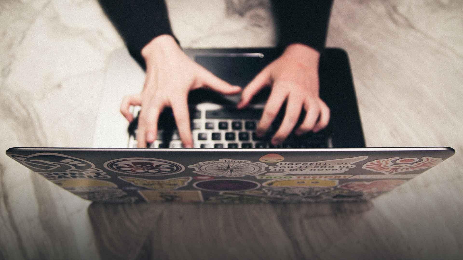 Uno studente su tre non sa scaricare un file da Internet