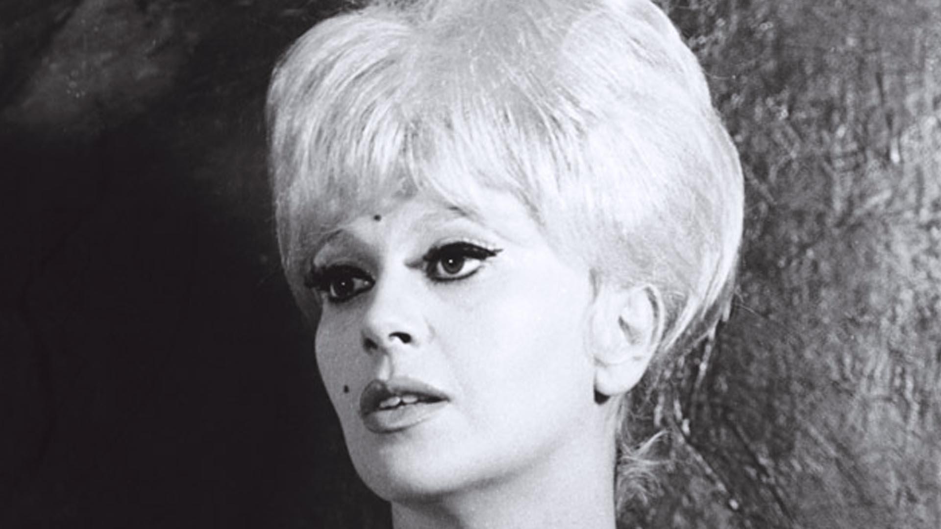Franca Rame portò coraggiosamente il monologo Lo Stupro a teatro nel 1975