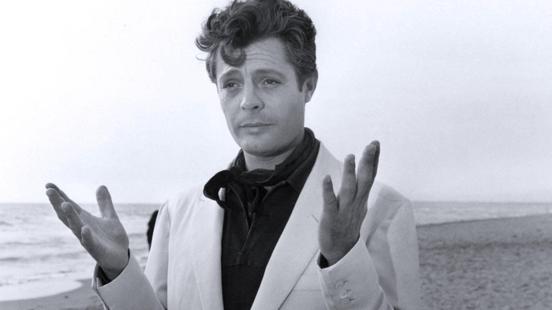 Marcello Mastroianni ne La dolce vita