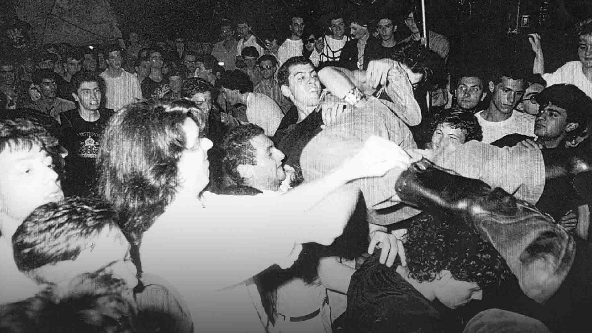 Africani, Marocchini, Terroni. Come la scena punk di Napoli cambiò la musica italiana