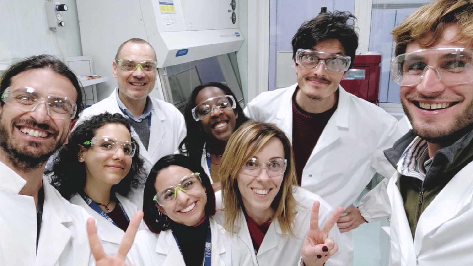 Il team di ricercatori del vaccino contro il coronavirus