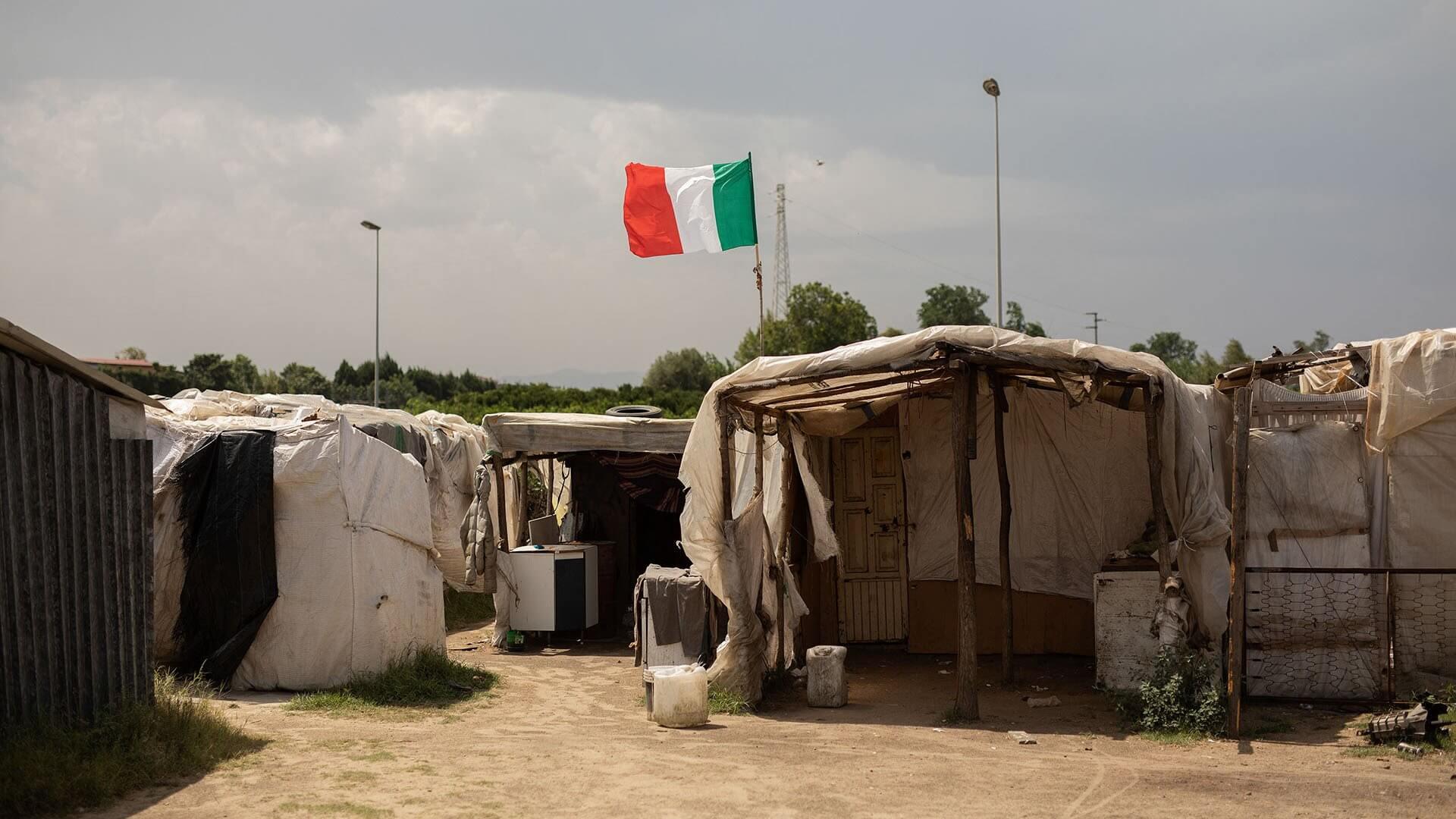 Rosarno, Calabria, 2018, tenda